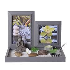 deco chambre zen bouddha coffret jardin zen bouddha sur un plateau avec cadres photos