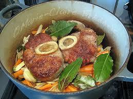 cuisiner un jarret de veau jarret de veau à la jules césar un bon plat mijoté aux parfums du