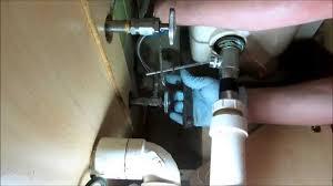 kitchen sink leaking underneath kitchen sink bowl leaking sink ideas