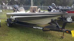 nitro z 8 a division of tracker marine builds trailers for nitro