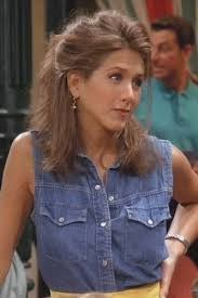 rachel green hairstyles the 50 most iconic fashion and beauty moments in friends doors
