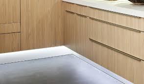 lumiere cuisine sous meuble eclairage spot cuisine encastre suspensions led adaptes votre