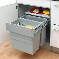 poubelle pour meuble de cuisine poubelle pour cuisine integree maison design bahbe com