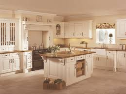 burford cream traditional kitchen from howdens with wonderful