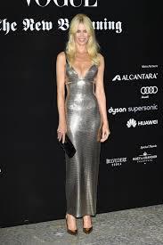 Schlafzimmerblick Bilder Was Ist Dein Alterslos Geheimnis Claudia Schiffer Stylebook