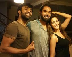 qamar and yasir hussain get welcoming on the sets of their new movie