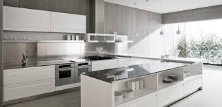 cuisine blanches cuisine blanche et inox idées et astuces en 90 photos archzine fr