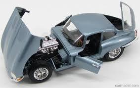 burago bu12044lb scale 1 18 jaguar e type coupe 1961 light blue met