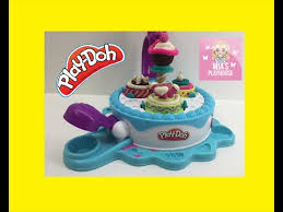 play doh küche play doh cake makin station playset by sweet shoppe wir backen