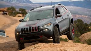 modified jeep cherokee lifted jeep cherokee dakar automotive design