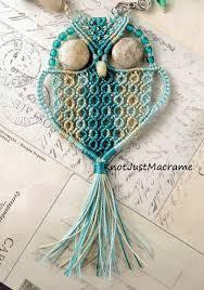 micro macrame owl by sherri stokey of knot just macrame tejidos