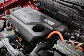 nissan 2000 engine 2017 nissan rogue first look review motor trend