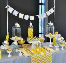 vidã os de mariage idée décoration mariage gris et jaune buffet