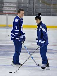 beautiful dion phaneuf justin bieber at leafs practice this is a