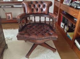 le de bureau style anglais chaise de bureau anglais beautiful fauteuil de bureau louis xv