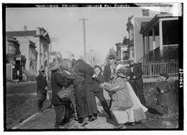 photos reveal thanksgiving traditions from 100 years ago
