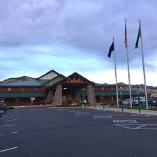 matc thanksgiving point legendary outdoor brands bass pro shops and cabela u0027s to combine