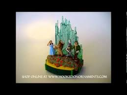 2011 optimistic voices the wizard of oz hallmark ornament