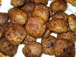 cuisiner des boulettes de viande recette de boulettes de viande à la sauce tomate