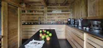 cuisine chalet bois chambre cuisine chalet moderne chalet archives cosy neve design