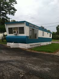 cool vintage mobile home i know its not a camper bt its yummy