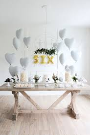 Centerpieces Birthday Tables Ideas by Best 25 Birthday Table Ideas On Pinterest Birthday Table