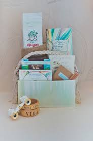 wedding gift bag ideas 10 creative welcome bag ideas gift bag ideas for wedding welcome