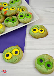 monster eyeball cookies organized 31