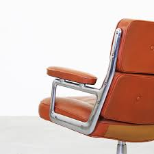 20cmodern lobby chair by ray and charles eames for herman miller