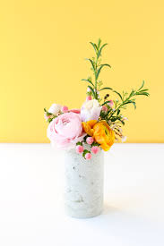 How To Design Flowers In A Vase Concrete Diy How To Make A Diy Concrete Vase With A Mailing Tube