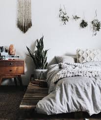 Minimalist Bedroom by 25 Best Calm Bedroom Ideas On Pinterest Spare Bedroom Ideas