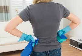détacher canapé tissu enlever une tache sur un canapé en tissu tout pratique