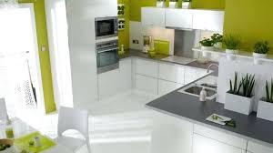 cuisine blanche et verte cuisine blanche et marron indogatecom salle de bain verte et