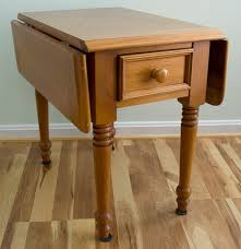 Drop Leaf End Table Broyhill Drop Leaf Side Table Ebth