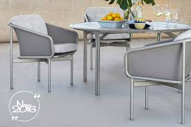 mhc outdoor living mesh panels held in place by an exclusive vinyl spine technology resulting in a clean re ned look tables available w glass and aluminum top options