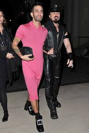 news media images celebrity article 35312 marc jacobs parades pink