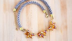 beaded necklace design images Beaded flower necklace tutorial crafts unleashed jpg