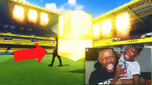 fifa 17 amazon black friday omg walkout legend in a pack luckiest fifa 17 pack opening