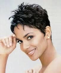 modele coupe de cheveux court femme 50 ans les 25 meilleures idées de la catégorie coiffure femme 50 ans sur