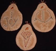 primitive stitchery pattern 3 snowman ornaments