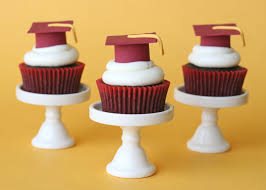 edible graduation caps graduation cupcakes and how to make fondant graduation caps