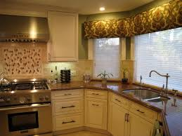 travertine backsplash pros cons