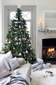 White Christmas Decorations Pictures by Best 25 Elegant Christmas Trees Ideas On Pinterest Elegant