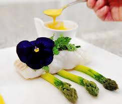 cuisiner le lieu jaune le télégramme recettes lieu jaune sauce à l orange asperges vertes