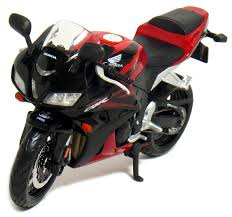 honda cbr sports bike amazon com honda cbr 600rr motorcycle 1 12 scale red by maisto