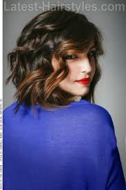 deconstructed bob haircut 28 effortlessly chic medium length wavy hairstyles