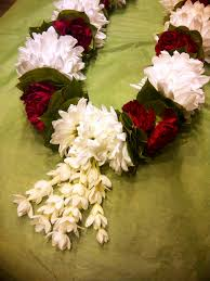 indian wedding flowers garlands 15 lovely indian wedding flowers wedding idea