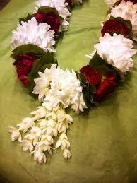 flower garland for indian wedding 15 lovely indian wedding flowers wedding idea