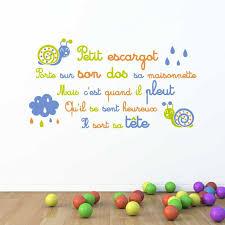 sticker pour chambre bébé sticker mural comptine escargot motif bébé garçon pour chambre