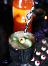 check out this fun poison apple halloween drink recipe for kids